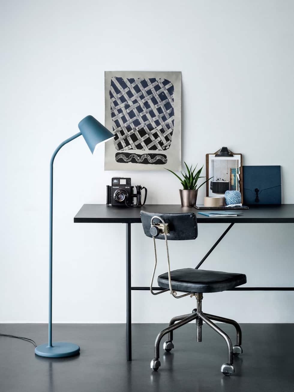 me_petrol_blue_desk-northern-lighting_photo-chris-tonnesen-E1k_BcAx7XQwORdbJlFWcA