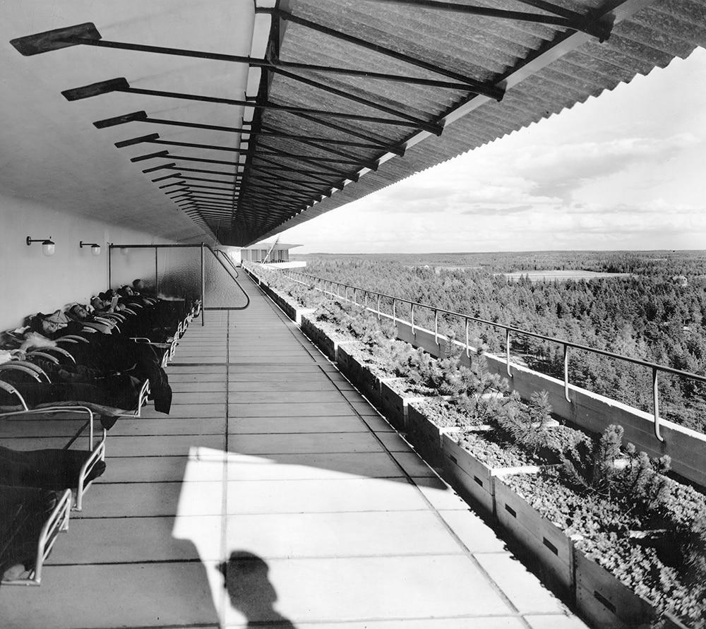 Alvar Aalto Paimio Sanatorium @ Designmuseum Danmark - ScandinavianDesign.com