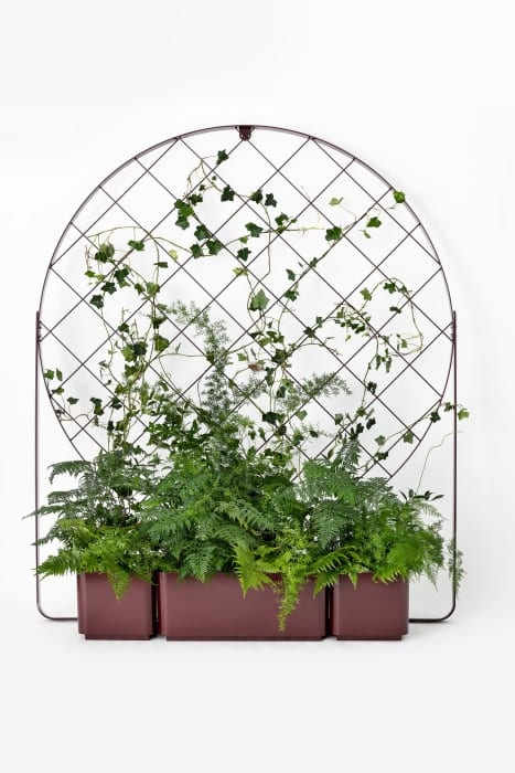 The Gro planter and climbing frames by Mia Cullin – Nola